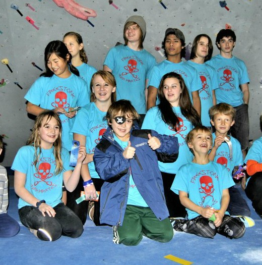 Freestone Climbing - group photo of climbing team kids